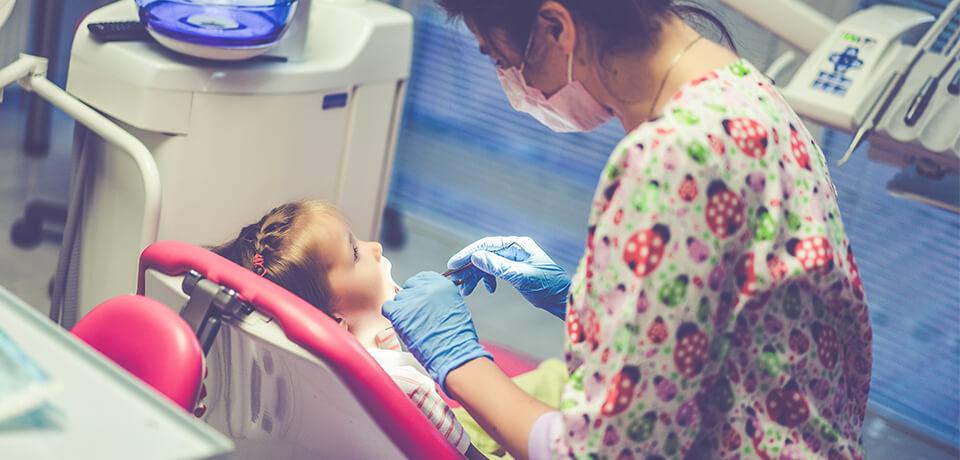 çocuklar için sağlıklı dişler, sağlıklı diş en baştan başlar, diş tedavilerinde uzman kadro