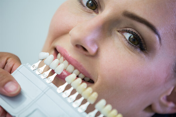 estetik dolgu avantajları, estetik dolgu işlemleri, uzman diş estetisyeni, en iyi diş estetiği