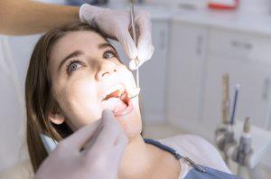 Gömülü Diş Tedavisi Nasıl Yapılır?