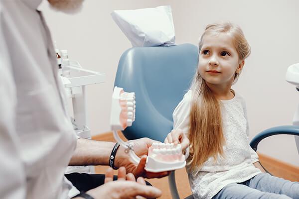 çocouklar için diş tedavileri, çocuklar için diş hekimi, nişantaşı çocuk diş hekimi