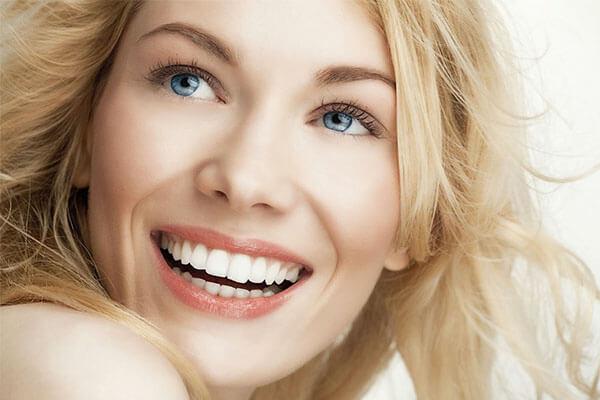 hollywood smile uygulaması, hollywood smile tedavisi, hollywood smile avantajları